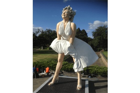 Bendigo Hire Marilyn Sculpture Niftylift
